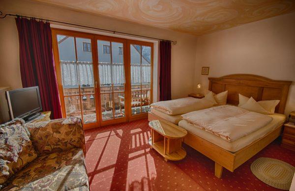 Hotel fux in oberammergau im zentrum gelegen sei schlau for Komfortzimmer doppelzimmer unterschied