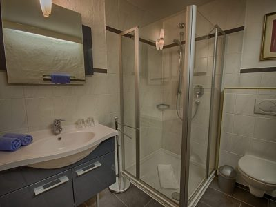 Badezimmer - Budget Zimmer